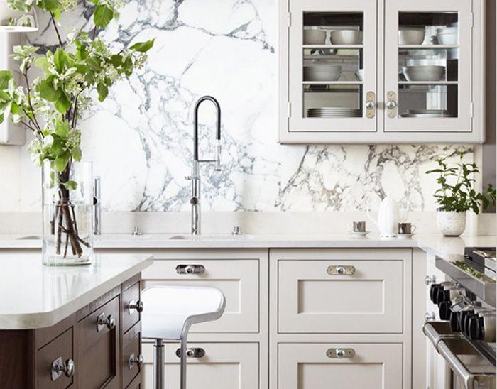 Marble_Slab_On_Kitchen_Backsplash